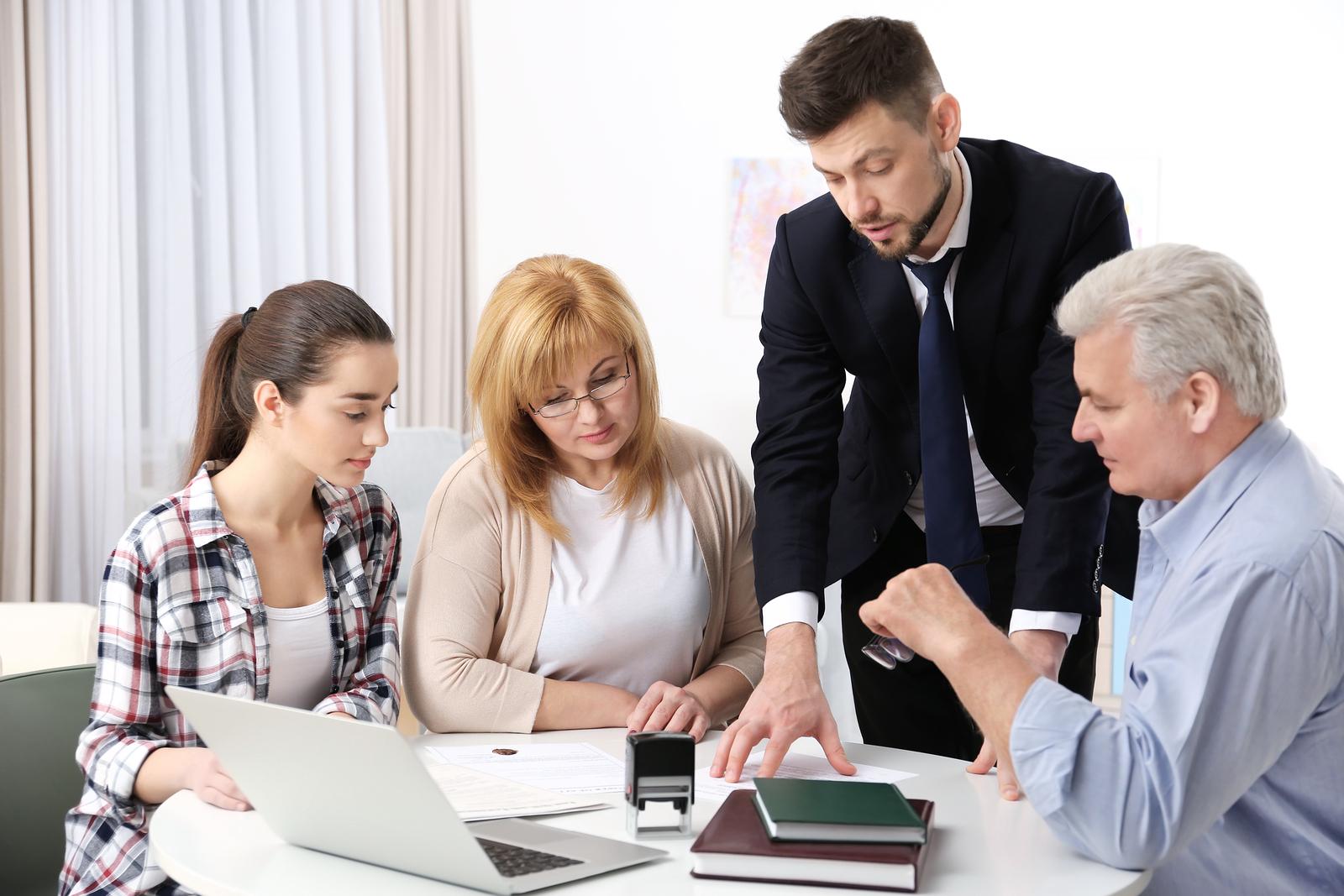 Why hire a Family Lawyer? - busineesau